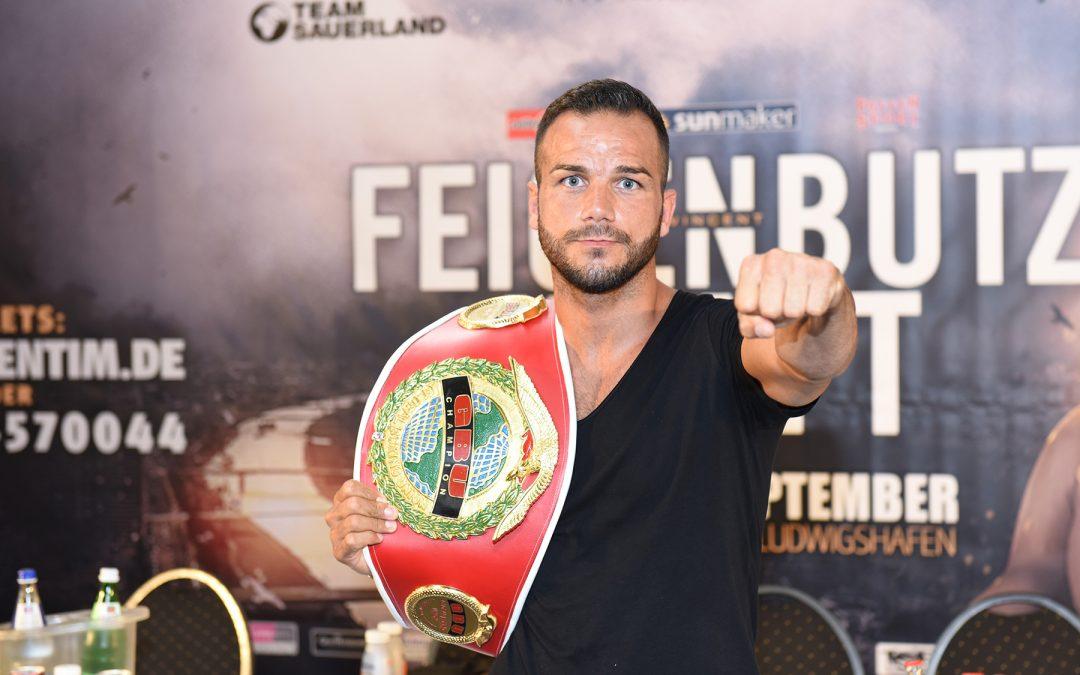 GBU-Weltmeister Sükrü Altay boxt bei KULTUR IM RING